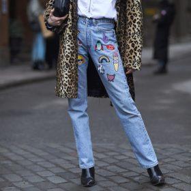 Cómo llevar los 'mom jeans'