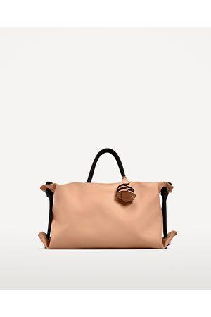 Zara CITY COLGADOR FLOR - Disponible en más colores