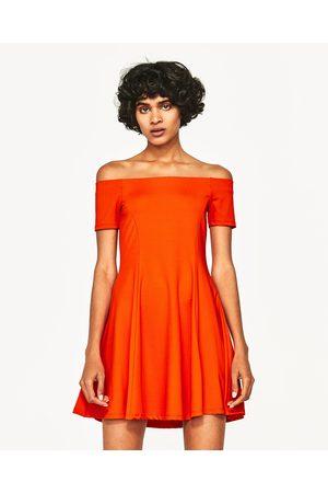 Mujer Vestidos - Zara VESTIDO ESCOTE BANDEAU - Disponible en más colores