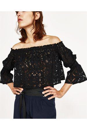 Mujer Tops - Zara TOP ENCAJE CUELLO BARCO - Disponible en más colores