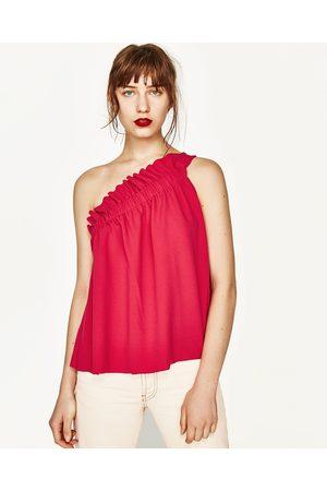 Mujer Tops - Zara TOP ASIMÉTRICO FRUNCES - Disponible en más colores