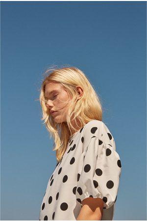 Zara CAMISETA LUNARES MANGA FAROL - Disponible en más colores