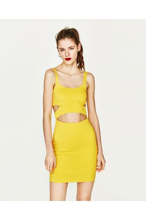 f09fb325c0 Vestidos Ajustados Y Entubados de mujer Zara amarillas ¡Compara ...