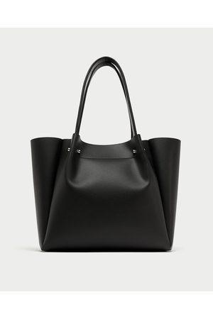 Zara SHOPPER DETALLE APLIQUE METÁLICO - Disponible en más colores