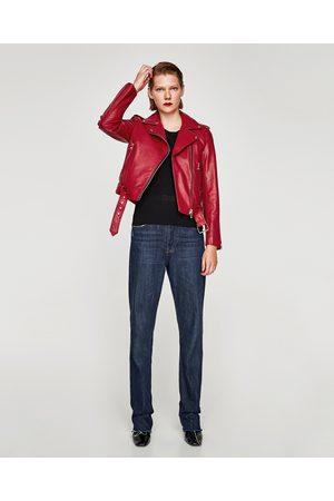 chaqueta de cuero roja mujer zara