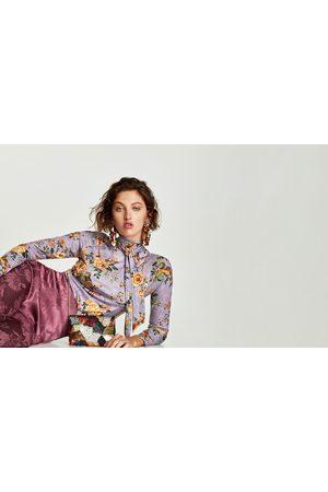Zara CAMISETA LAZO FLORES - Disponible en más colores