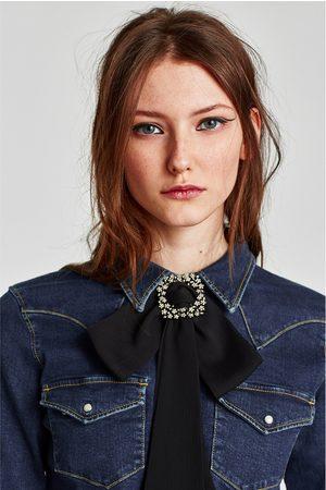Zara COLLAR LAZO BROCHE - Disponible en más colores
