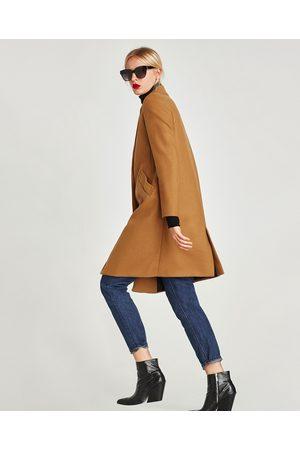 Abrigo color vino zara