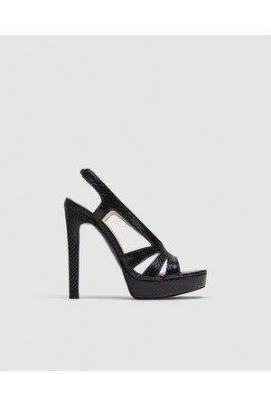 66a4826e ¡compara Mujer De Sandalia Zara Precio Ahora Al Mejor Online Y Compra  3FJTuclK1