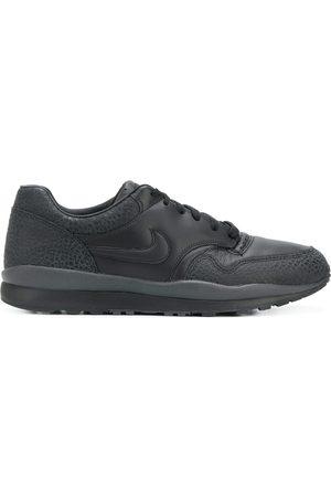 Nike Tenis Air Safari