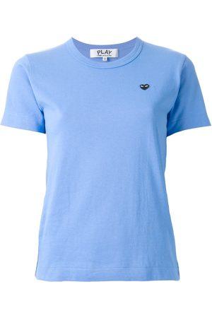 Comme des Garçons Mujer Playeras - Camiseta con logo bordado