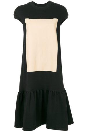 Ioana Ciolacu Vestido estilo camiseta