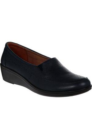 Zapato con diseño corte láser Flexi piel