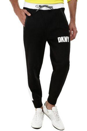 Jogger DKNY corte slim fit algodón