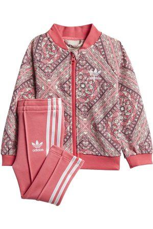 Conjunto deportivo Adidas para niña
