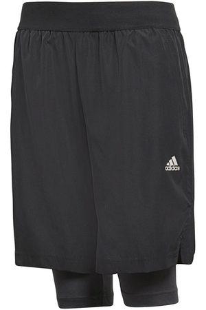 Short Adidas 2 en 1 para niño