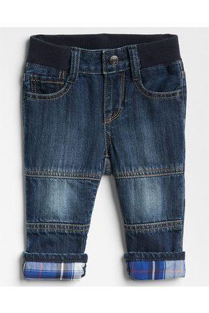 Jeans GAP con corte straight para bebé