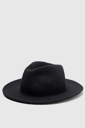 Compra Zara Sombrero de hombre online  5f1839d5382