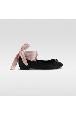 Dorothy Gaynor Mujer Flats - Balerina Lace Up