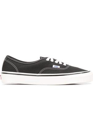 Vans Tenis - Authentic 44 DX sneakers
