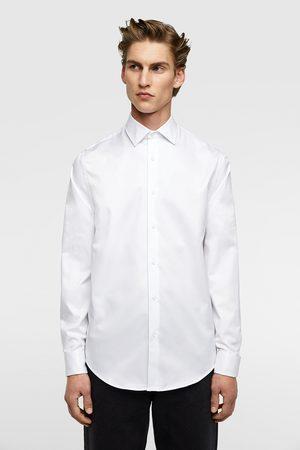 Topos Blanca Hombre Con Zara Camisa IWE29DH