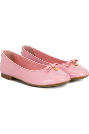 Dolce & Gabbana Niña Flats - Flats con lazo y dije corazón