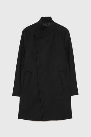 Zara Abrigo cuello asimétrico