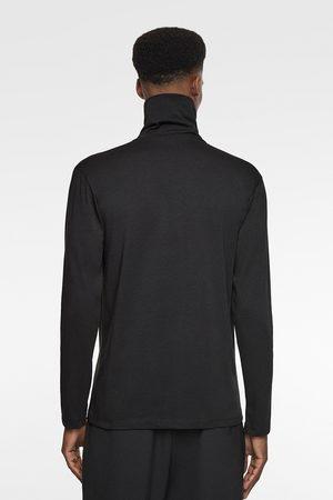 Zara Camiseta cuello cisne