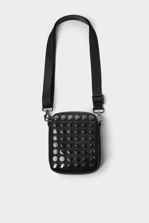 Zara Hombre Bolsas - Mini bandolera negra granulada tachas