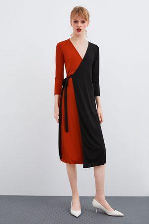 Zara Vestido cruzado color block