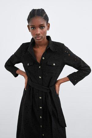 Zara Vestido perforado bordado