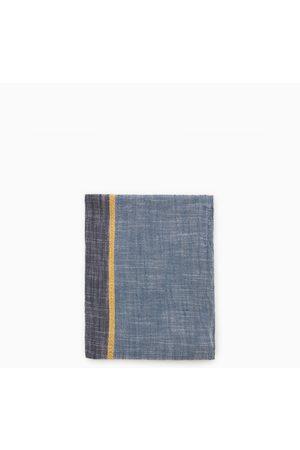 Zara Pañoleta bicolor textura