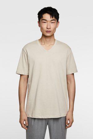Zara Camiseta básica pico