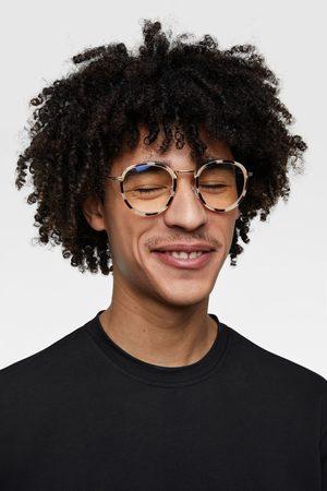 4715cf2ede Lentes De Sol de hombre Zara lentes oscuros moda ¡Compara ahora y ...
