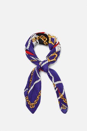 Zara Pañuelo estampado nudos y cadenas