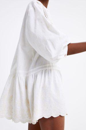 Zara Vestido encaje bordados