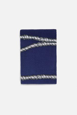 Zara Pañuelo textura estampado