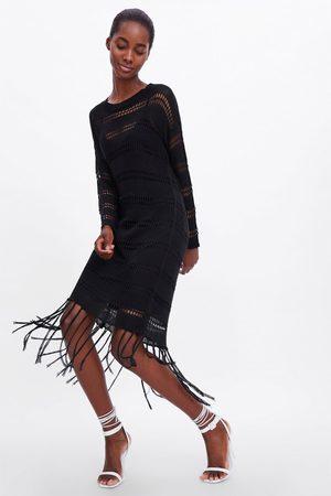 Zara Vestido crochet flecos