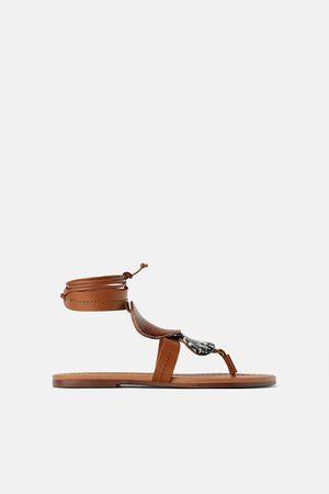 Zara Sandalia plana piel piezas