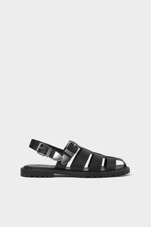 Zara Sandalia tiras negra tachas