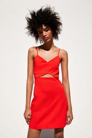 Zara Vestido cut out