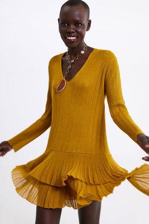 13d3e496fa Vestidos Cortos de mujer Zara amarillas ¡Compara ahora y compra al ...