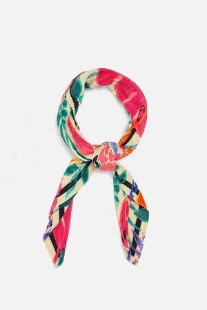 Zara Pañuelo plisado estampado