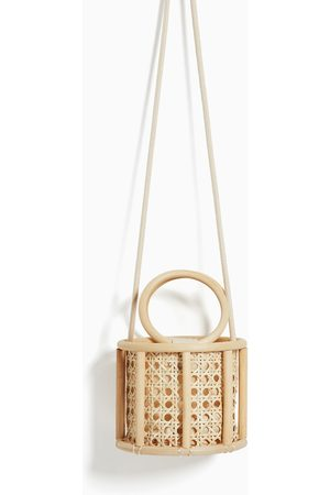 Zara Cestita sillería asas bambú