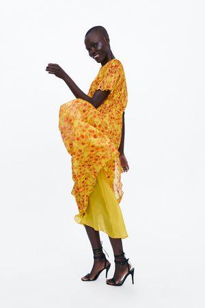 Zara Vestido plisado estampado floral