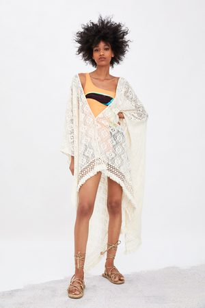 Zara Kimono estructura flecos