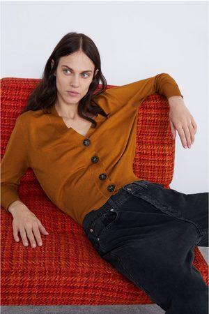 Zara CÁRDIGAN BOTONES