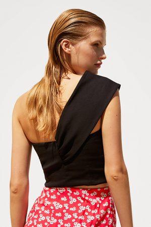 Zara Top cropped asimétrico