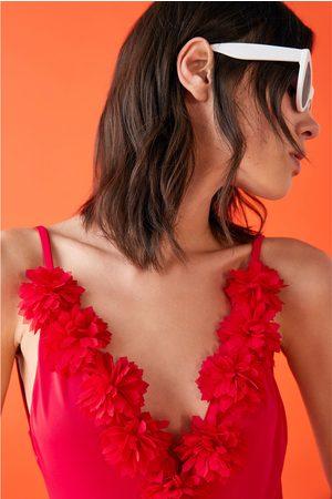 Zara Bañador aplicación flores