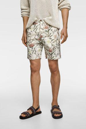Zara Bermuda rústica estampado floral
